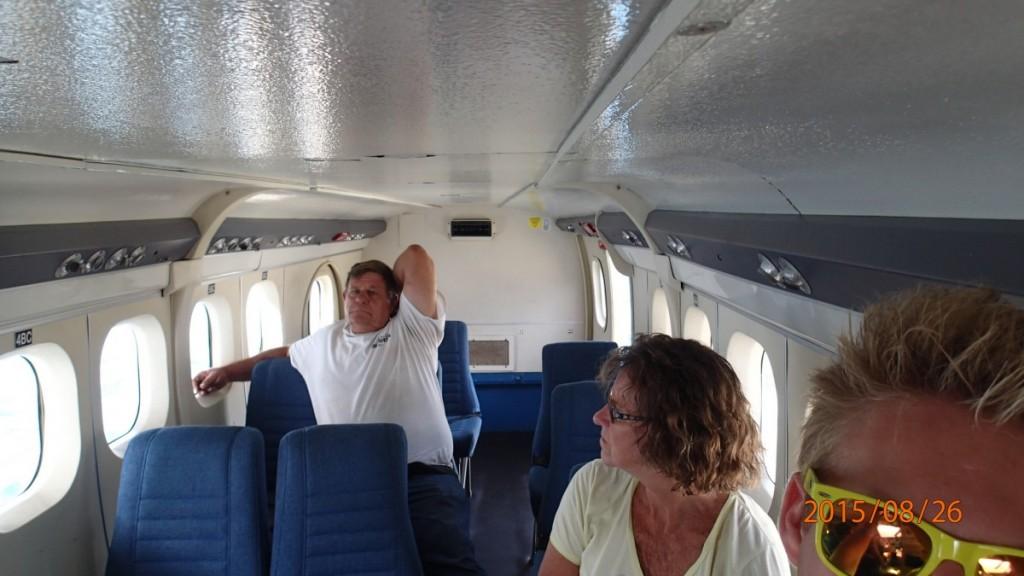 Sædekonfigurationen var 2-1 på flyet (DHC-6-300)