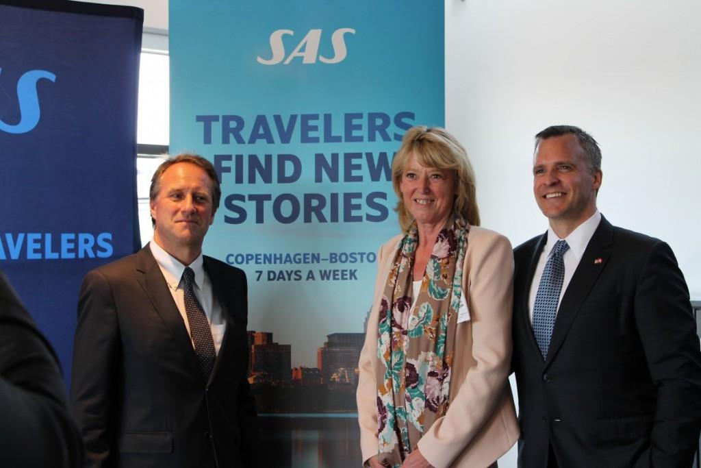SAS-chef Lars Sandahl Sørensen, Karin Gert Nielsen fra Atlantic Link og USA's ambassadør i Danmark, Rufus Gifford inden afgang.
