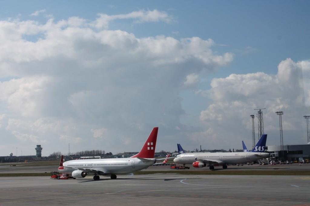 Privatairs Boeing 737 kører mod startbanen.