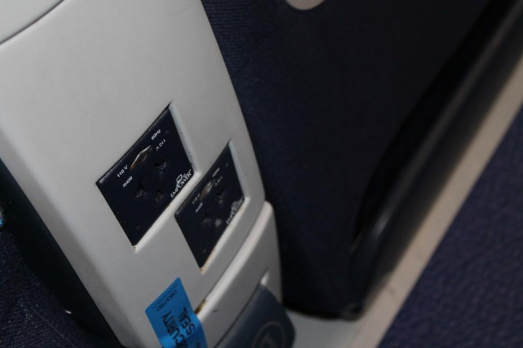 Strømudtag i hver stol på Business Class.