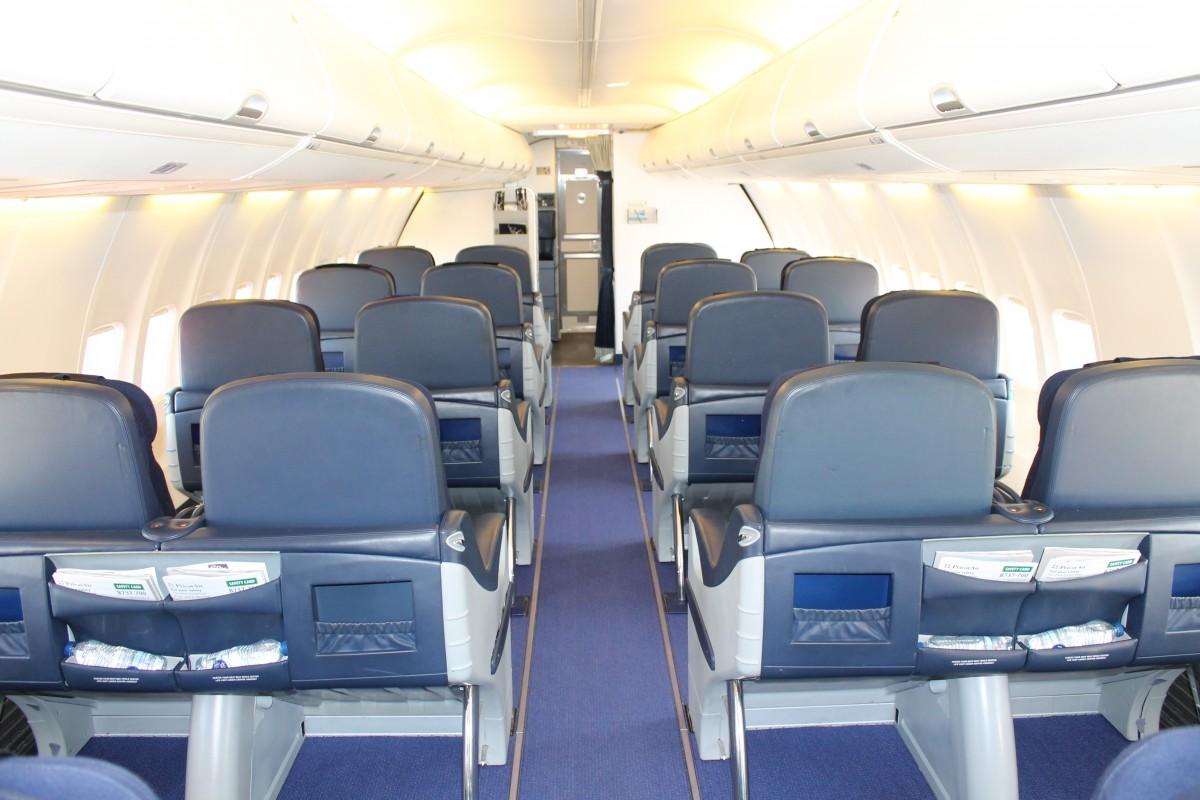 Kun 20 sæder på Business Class på PrivatAirs 737. Desværre ingen indbygget underholdningssystem. Der udleveres iPads til passagererne.