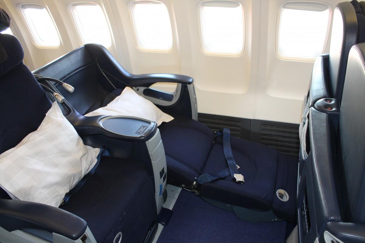 Sædet kan ikke lægges helt fladt ned, men er ganske behageligt at både sidde og sove i.