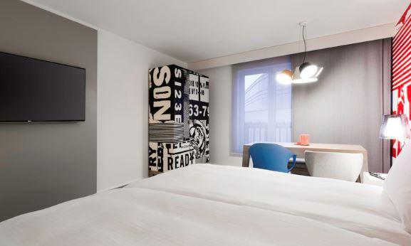 Billede af et værelse det nyåbnede Radisson RED Bruxelles.