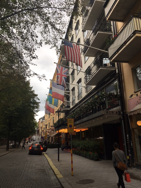 Et kig ned af gaden hotellet ligger på.