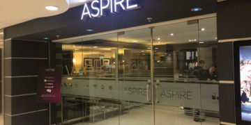 aspire_lounge_manchester_entrance
