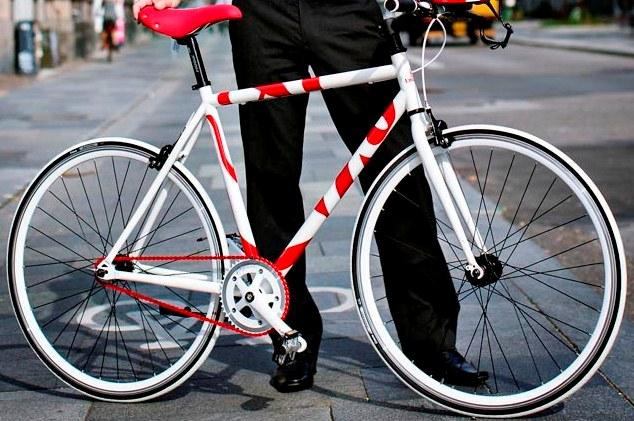 Den helt unikke Emirates cykel i Emirates røde og hvide farver.