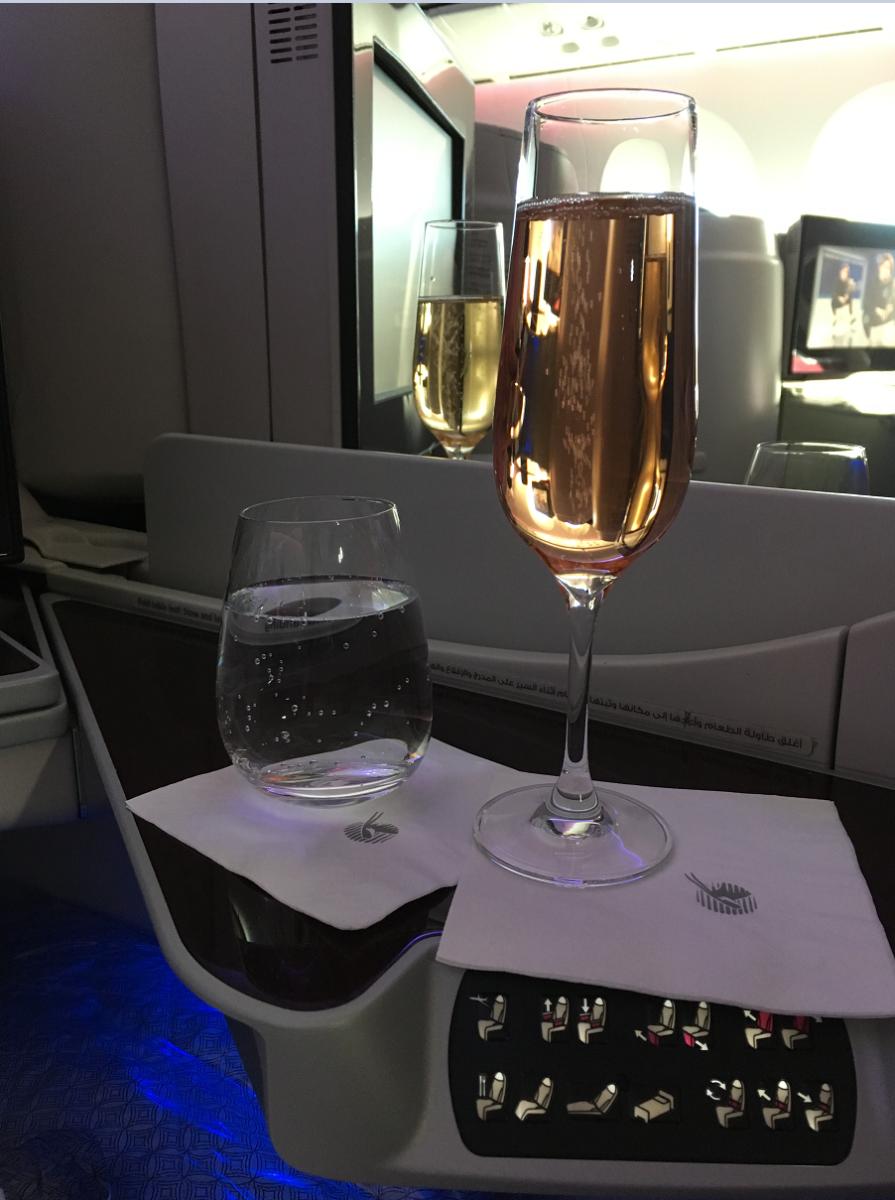 Champagne før afgangen fra København.