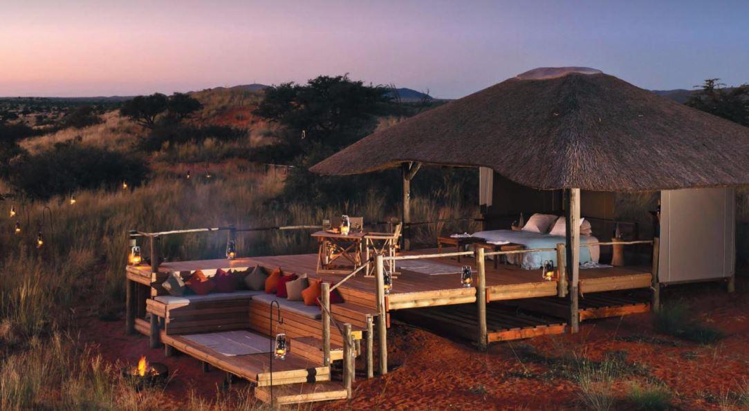 Sov i luksus under åben himmel og være tæt på naturen og fald i søvn under en stjernehimmel.