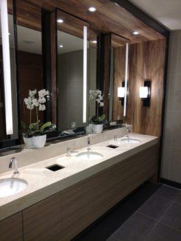 Det rene og pæne badeværelse