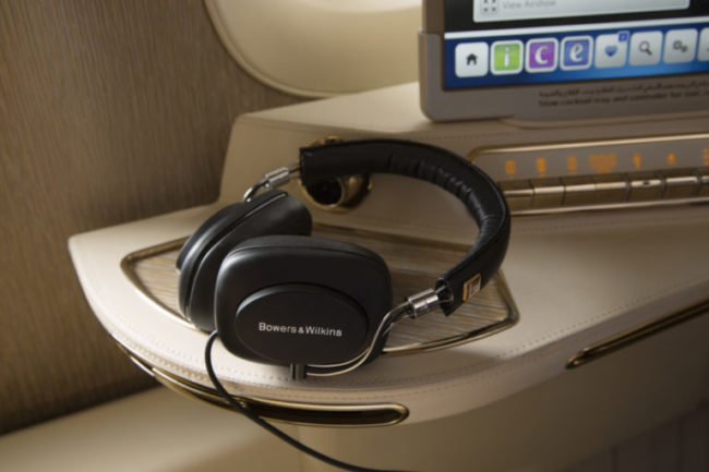 Emirates Bowers & Wilkins hovedtelefoner