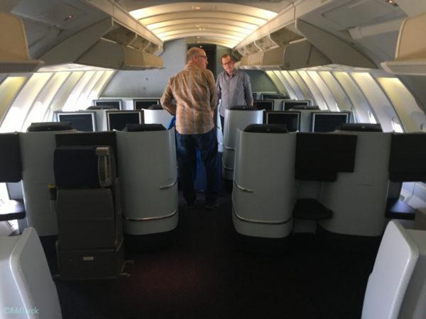 KLM Business Class i næsen af en 747