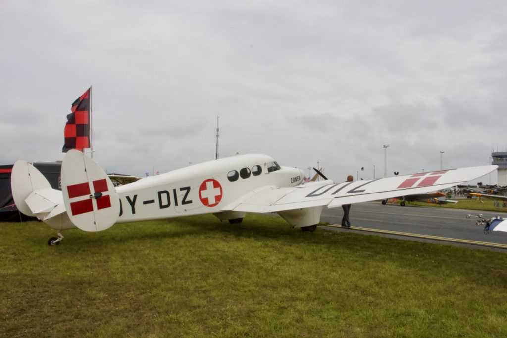Det dansk byggede ambulancefly SAI KZ IV