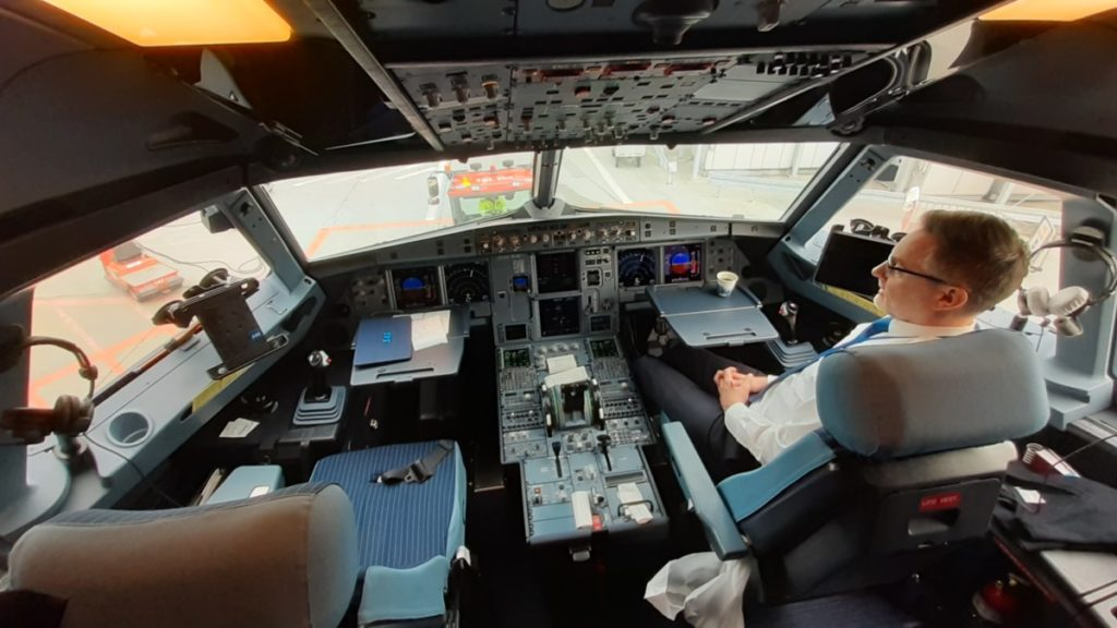 A320neo flight deck