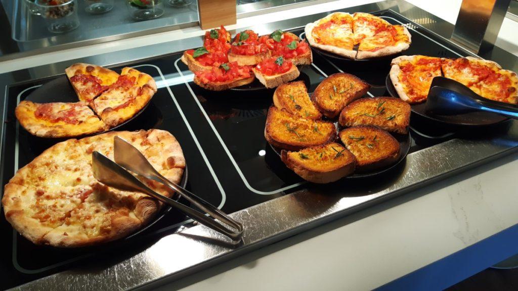 Bruschetta og pizzaer